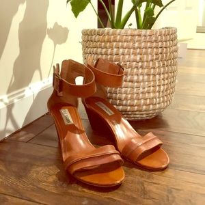 Steve Madden Cognac Leather Wedges!